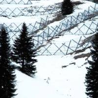 Vista d'insieme da valle dopo la nevicata